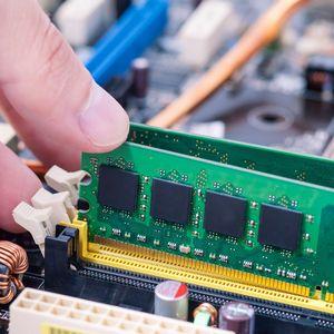 パソコンのメモリを交換する